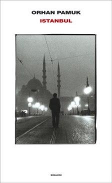 Sospeso tra la nostalgia e la memoria, lo definirei elegiaco, un atto d'amore assoluto verso la propria città ed un mondo che scompare a poco a poco...