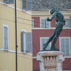 Particolare monumento F.Corridoni